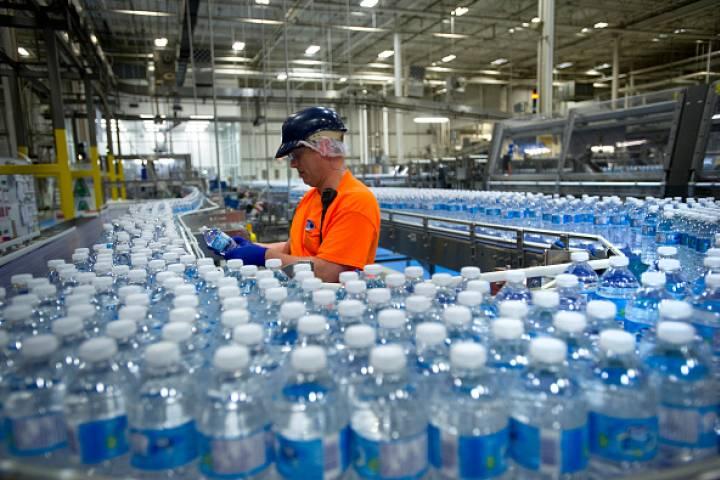 Cơ sở sản xuất, kinh doanh nước uống đóng bình, đóng chai