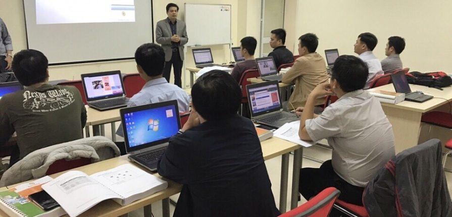 Thành lập trung tâm đào tạo công nghệ thông tin